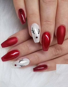 The advantage of the gel is that it allows you to enjoy your French manicure for a long time. There are four different ways to make a French manicure on gel nails. Christmas Gel Nails, Christmas Nail Art Designs, Holiday Nails, Red Nail Designs, Best Nail Art Designs, Nagellack Trends, Nagel Gel, Gorgeous Nails, Winter Nails