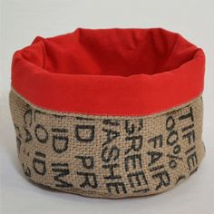 Hessian, Burlap, Recycler Diy, Knitting Projects, Sewing Projects, African Colors, Coffee Sacks, Diy Sac, Sustainable Textiles