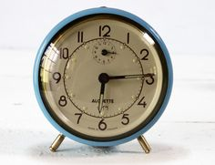 alarm clock  RueDesLouves