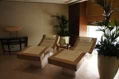 Treatment room at the Grosvenor House, Dubai Spa Treatment Room, Spa Treatments, Outdoor Furniture, Outdoor Decor, Sun Lounger, Dubai, House, Home Decor, Chaise Longue