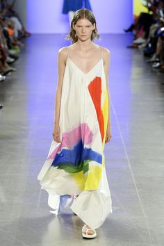 Milly Spring 2019 Ready-to-Wear Fashion Show Collection: See the complete Milly Spring 2019 Ready-to-Wear collection. Look 1 Spring Fashion Trends, Milan Fashion, Runway Fashion, Quoi Porter, Fashion Prints, Fashion Design, Fashion Show Collection, Looks Style, Mode Inspiration