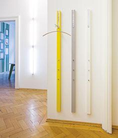 LINE WANDGARDEROBE - Designer Wandgarderoben von Schönbuch ✓ Alle Infos ✓ Hochauflösende Bilder ✓ CADs ✓ Kataloge ✓ Preisanfrage ✓ Händler..