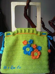 Vê O Que Fiz Crochet Handbags, Diaper Bag, Burlap, Reusable Tote Bags, Facebook, Crochet Bags, Hessian Fabric, Diaper Bags, Jute
