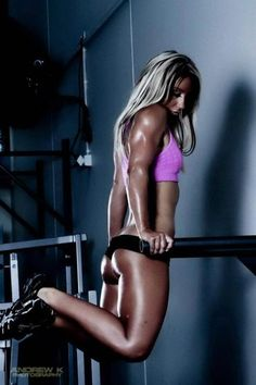 21 Top Exercises to Lose Weight . Bikini Fitness, Body Fitness, Fitness Bodies, Fitness Women, Female Fitness, Workout Fitness, Paleo Fitness, Dumbbell Workout, Fitness Inspiration