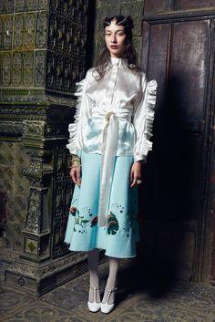 dbol-design by oana lupas fashion designer autumn winter 2016-2017 collection25Filedbol-design by oana lupas fashion designer autumn winter 2016-2017 collection