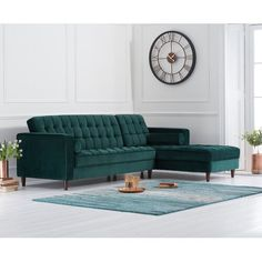 The Atlantic Green Velvet Right Facing Chaise Sofa combines style and comfort. Upholstered in rich green velvet with a deep buttoned design, the chaise sofa is complete with 2 free bolster cushions. Design Blogs, Interior Design Tips, Home Interior, Corner Sofa Interior Design, Modern Interior, English Interior, Design Basics, Design Ideas, Studio Interior