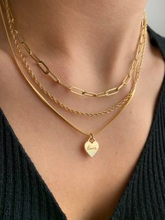 For all the gold lovers out there, this Evry Jewels necklace stack is for you! Stylish Jewelry, Simple Jewelry, Dainty Jewelry, Cute Jewelry, Nail Jewelry, Jewelry Accessories, Fashion Accessories, Fashion Jewelry, Fashion Necklace