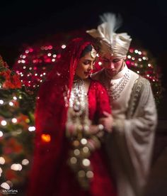 Sabyasachi Wedding Lehenga, Red Wedding Lehenga, Bollywood Wedding, Red Lehenga, Bridal Lehenga, Marathi Wedding, Indian Lehenga, Wedding Poses, Wedding Photoshoot