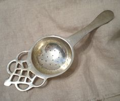 Silver Plated Tea StrainerFree Ship In USDetailed by renew2u