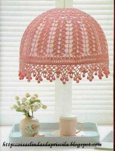 Crochê - Lustre Rosa com Pedraria