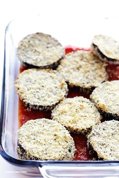 Baked Eggplant Parmesan -- no frying required for this crispy and absolutely… Oven Baked Eggplant, Eggplant Dishes, Eggplant Parmesan, Eggplant Recipes, Italian Dishes, Italian Recipes, Oven Recipes, Cooking Recipes, Gimme Some Oven