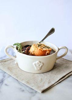 butter and brioche   Single Lady French Onion Soup   http://www.butterandbrioche.com
