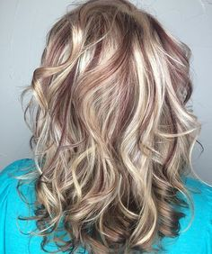 WEBSTA Beautifully sliced blondes and red/browns. Compliments each other perfectly. New Hair 2018, Fall Hair, Winter Hair, Fall Highlights, Chunky Highlights, Medium Hair Styles For Women, Girl Hair Dos, Hair Romance, Hair Color And Cut