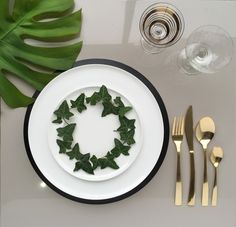 How to Dress a dining Table. We show you how to decorate your table for Christmas, focusing on many different interior styles