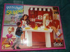 SKIPPER PIZZA HUT PARTY SHOP  (Barbie doll's sister) - fun playset
