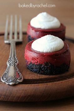 Mini Red Velvet Cheesecake Recipe - a beautiful Valentines Day Dessert Valentine Desserts, Mini Desserts, Dessert Recipes, Valentines, Cupcake Recipes, Cupcake Cakes, Food Cakes, Red Velvet Cheesecake, Cheesecake Cupcakes