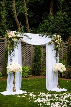 Wedding Ceremony Garden Chandeliers Ideas For 2019 Wedding Gate, Diy Wedding Backdrop, Wedding Ceremony Arch, Wedding Altars, Party Decoration, Outdoor Wedding Decorations, Wedding Centerpieces, Decor Wedding, Wedding Ideas