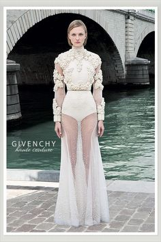 Wait. This wedding dress CAN'T be for real.  Right?  RIGHT?!!