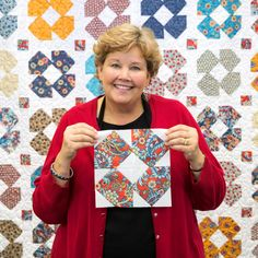 Jenny Doan teaches you to make this darling Dizzy Daisy Block!
