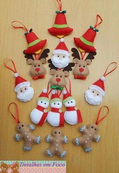 19 Ideas For Sewing For Kids To Make Christmas Gifts Grinch Christmas Decorations, Quilted Christmas Ornaments, Christmas Ornament Crafts, Felt Decorations, Felt Ornaments, Christmas Projects, Christmas Diy, Christmas Crafts, Felt Crafts Patterns