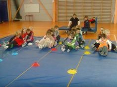 course de chenilles Crossfit Kids, Blue Boots, Chenille, Gym Time, Primary School, Projects For Kids, Activities For Kids, Kindergarten, Halloween
