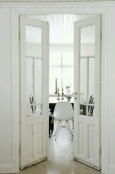Beautiful barn doors for dining room