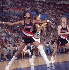 Portland Trail Blazers Maurice Lucas in action vs Seattle SuperSonics Dennis Johnson at Seattle Center Coliseum Cover James Drake X21851
