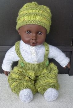 Crochet Kids Hats, Crochet Shoes, Diy Crochet, Crochet Baby Cardigan, Crochet Beanie, Crochet Doll Clothes, Knitted Dolls, Crochet Scarf Diagram, Knitting Increase