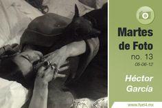 Este martes de foto queremos recordar a Héctor García, conocido fotógrafo mexicano que se dedicó a captar la vida del país en el siglo XX. Su obra está compuesta por retratos de celebridades de la época de oro del cine mexicano, artistas plásticos, y personajes de la vida cultural del México de los cincuenta y sesenta.