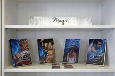 Band 4 (Entrissen) der Darken Reihe von Lee Bauers ist erschienen ... und sie wächst und wächst ... es wird schon eng im Regal des Oldigor-Bookstores