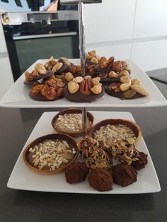 Bordje met rum truffels Truffels, Rum, Breakfast, Food, Morning Coffee, Essen, Meals, Rome, Yemek
