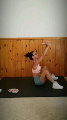 A fat burning ab exercise to strengthen your core. Targets your upper and lower abs, this intense ab workout will help you lose belly pooch and get 6 pack abs. Great for men and women who workout at home or at the gym. Fitness Workouts, Hiit Workout Videos, Band Workout, Best Ab Workout, Abs Workout Routines, Abs Workout For Women, At Home Workouts, Ab Workouts, Fitness Weights
