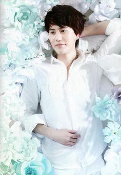 milky skin between blue flower <3