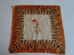 Vintage-TAMMI-S-KEEFE-Handkerchief-TIGER-w-UMBRELLA-Animal-Print-14-Sq-SIGNED
