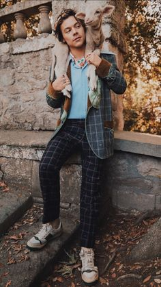 Gucci-Kampagne gucci campaign Harry Styles stars in second Gucci campaign for Gucci Cruise 2019 Gucci Campaign, Campaign Fashion, Harry Styles Photoshoot, Star Fashion, Fashion Outfits, Harry Styles Pictures, Mr Style, Harry Edward Styles, Beautiful People