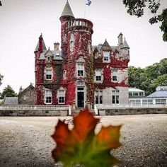 Castle Gate, First Day Of Autumn, Gate House, Old Buildings, Wanderlust Travel, Planet Earth, Trip Planning, Adventure Travel, Planets