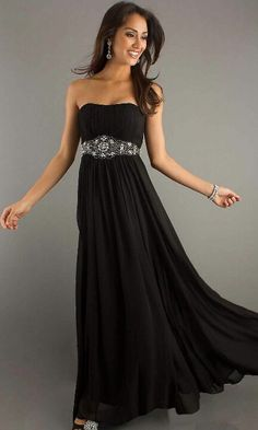 This is perfect, plain dress with a simple accent belt, so cute and I'd still be comfy.