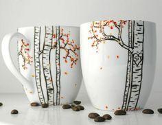 Tassen bemalen für eine fröhliche Stimmung beim Kaffee Trinken