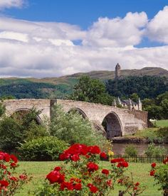 Stirling Bridge, Stirling, Scotland--not the original.of course.which was wooden. Scotland Uk, England And Scotland, Stirling Scotland, Great Places, Places To See, Beautiful World, Beautiful Places, Stirling Castle, England Ireland
