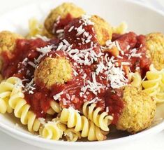 Herby chickpea balls with tomato sauce Chickpea Recipes, Veggie Recipes, Pasta Recipes, Vegetarian Recipes, Dinner Recipes, Veggie Meals, Veggie Pasta, Veggie Food, Gnocchi