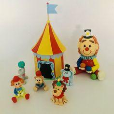 Circus set.                      – Zoeartcrafts