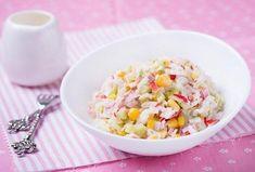 Salát z krabích tyčinek - https://www.recepty.cz/recept/salat-z-krabich-tycinek-2-3958