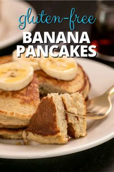 With all the right textures (fluffy inside, crisp on the edges), you won't even notice that these gluten free banana pancakes are healthy. The perfect hearty breakfast, too! Gluten Free Pancakes, Gluten Free Recipes For Breakfast, Gluten Free Banana, Pancakes Easy, Gluten Free Oats, Gluten Free Breakfasts, Vegetarian Recipes, Banana Oatmeal Pancakes, Sample Recipe