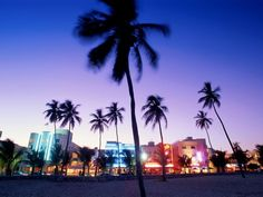 Ocean Drive, South Beach Miami Florida...i wld go there jst to mke my sister jealous