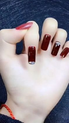 20 Eye Catching Nail Design Ideas Perfect For Winter « homifi.com  #Nail #naildesign #nailideas