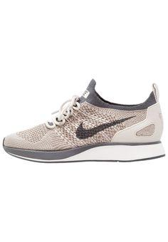 3fce1503d25a ¡Consigue este tipo de zapatillas bajas de Nike Sportswear ahora! Haz clic  para ver