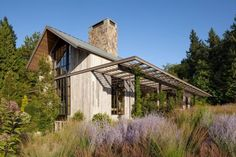 Beautiful Portland Barn House Design Melds with Extensive Natural Gardens - Stairway To Heaven, Modern Barn, Modern Farmhouse, Portland House, Portland Oregon, Oregon Usa, Barn House Design, Timber House, Wooden House