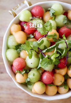 Mint & Melon Salad - Just sub the honey for agave syrup to make it vegan :) Fruit Recipes, Brunch Recipes, Salad Recipes, Cooking Recipes, Easter Recipes, Watermelon Recipes, Watermelon Salad, Melon Fruit Salad Recipe, Melon Ball Recipes