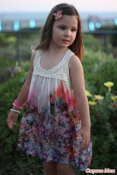 Вот и готово, наконец, очередное летнее платьице для Михаль, вчера обновили.