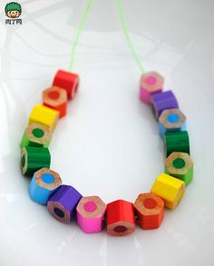 Interesting idea using coloured pencils for beads